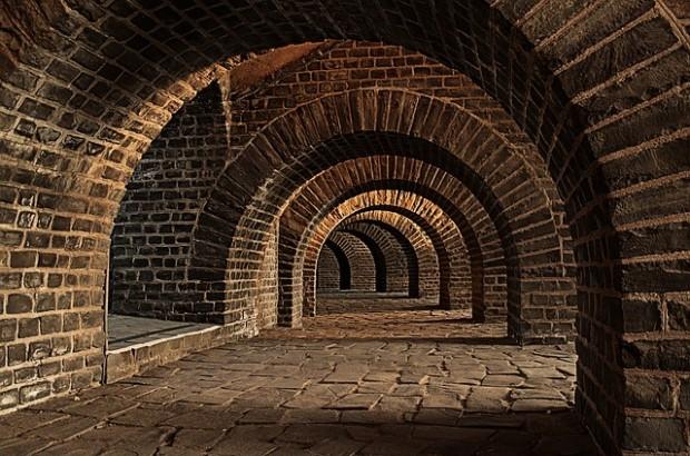 vaulted-cellar-247391_640